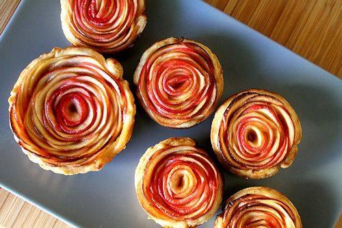 حلوى ورد التفاح لإفطار رومانسي
