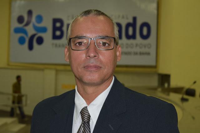 Vereador acusa conselheiro do TCE de perseguir prefeito de Brumado em rádio de sua propriedade