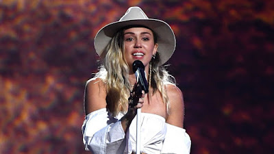 "Miley Cyrus Performs ""Malibu"" Billboard Music Awards"