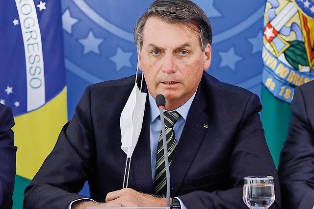 Bolsonaro diz que brasileiro pode pular em esgoto e nada de mal acontece