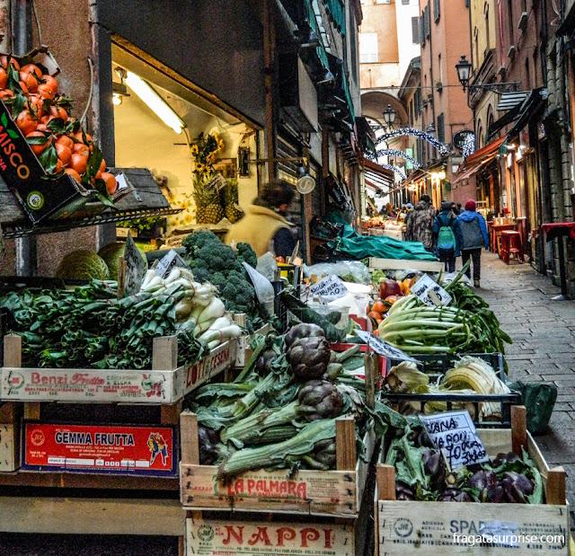 Mercatto di Mezzo, Antigo mercado de Bolonha