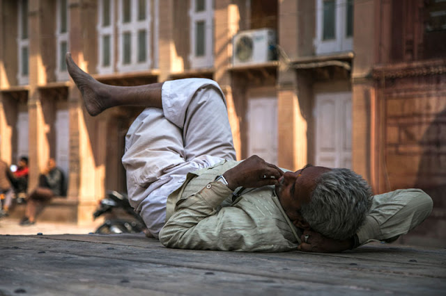 old man sleeping bikaner rajasthan