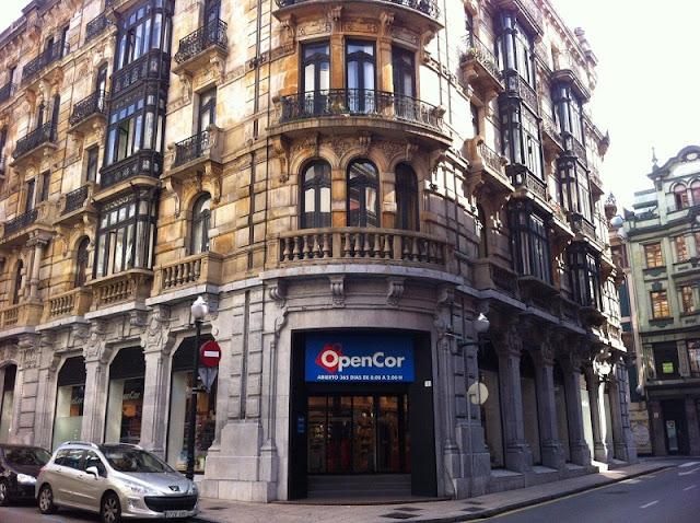 Compras Noturnas em Barcelona