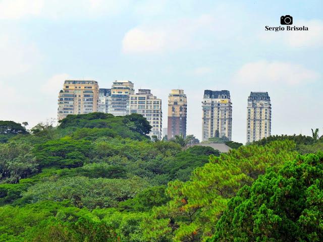 Vista ampla, com teleobjetiva, do Condomínio Parque Cidade Jardim - Jardim Panorama - São Paulo