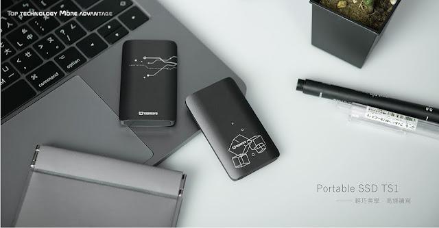 【開箱】靈巧、質感、高效,TOPMORE 達墨科技 TS1 外接式固態硬碟 - TS1 很適合 Apple 太空灰的 MacBook Pro