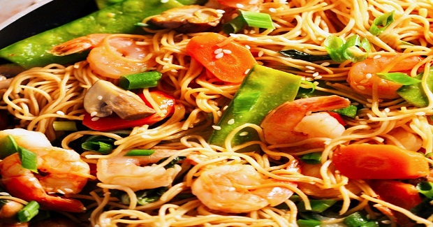 30-Minute Shrimp Lo Mein Recipe