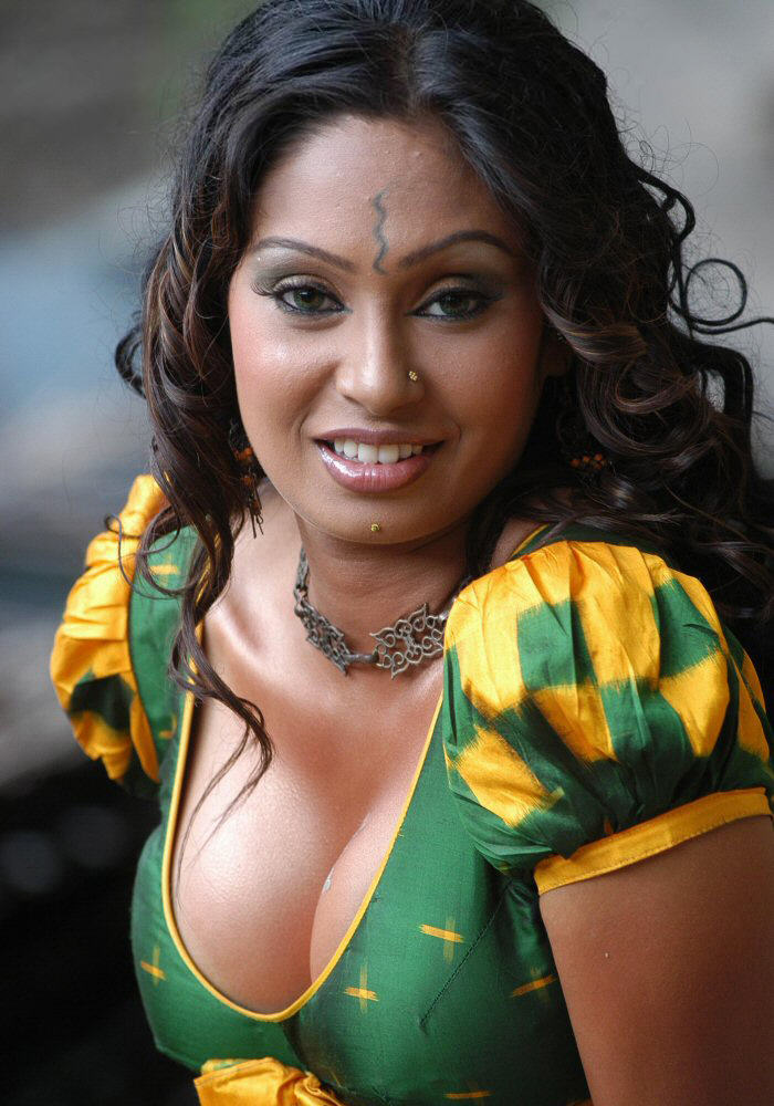 Simran Khan Hot Cleavage Show  Hot Actress Sexy Pics-7460