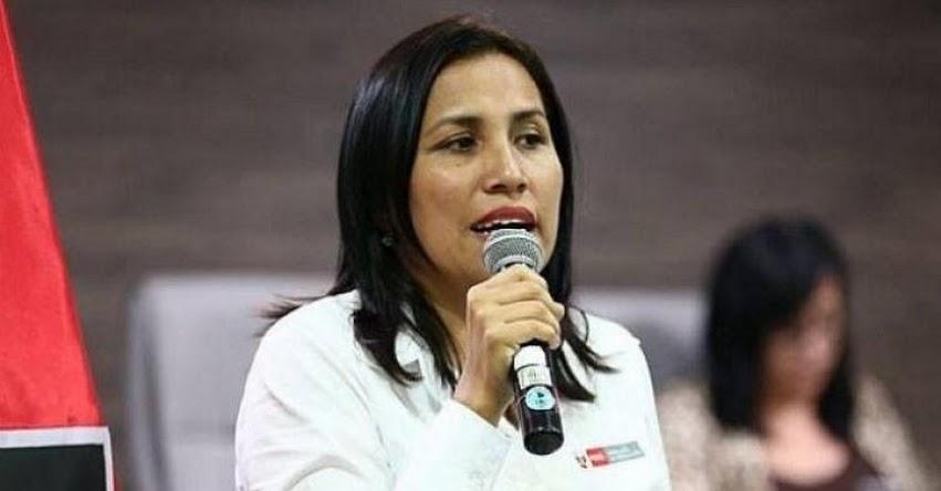 Ministra de Educación Flor Pablo Medina, será interpelada el jueves 9 de mayo por el caso de los textos escolares