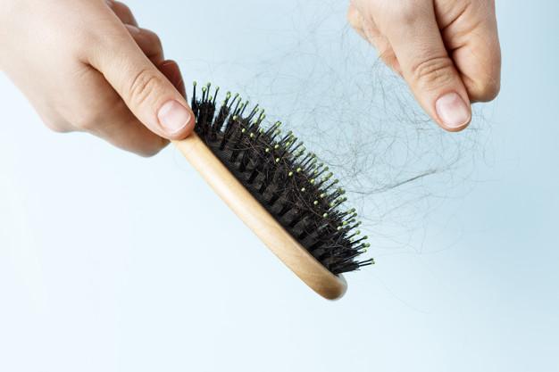 كيف أمنع تساقط شعري وبدون تكلفة
