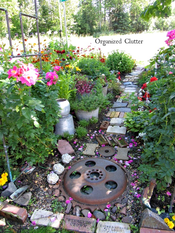 The Best Garden Junk Path www.organizedclutterqueen.blogspot.com