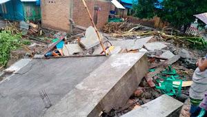 Banjir Bandang Menerjang Desa Daha Dompu. 43 Rumah Terbawa Arus
