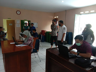 Kapolsek Ponre Pantau Ujian Penyaringan Perangkat Desa Tellu Boccoe