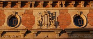 Detall de la façana del Parlament de Catalunya per Teresa Grau Ros