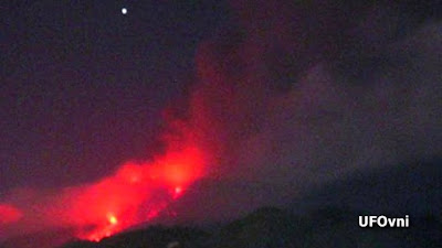 UFO sull'Etna fotografato il 27 aprile 2013