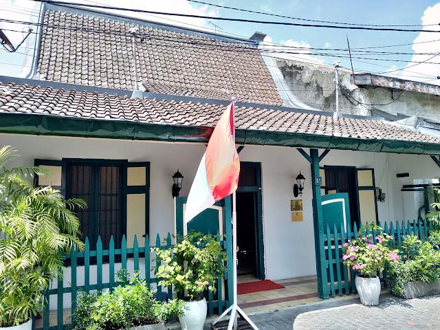rumah peneleh surabaya