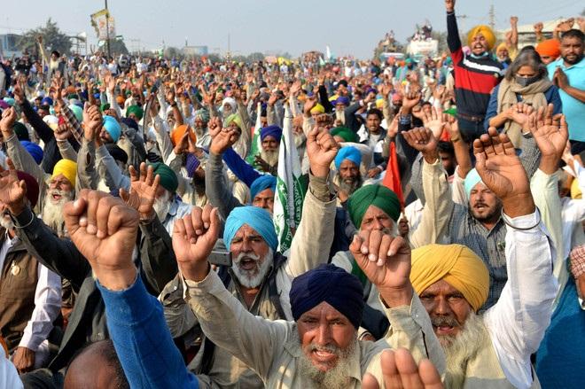 বিতর্কিত কৃষি সংস্কার আইন : প্রতিবাদে ভারতজুড়ে কৃষকদের বিক্ষোভ