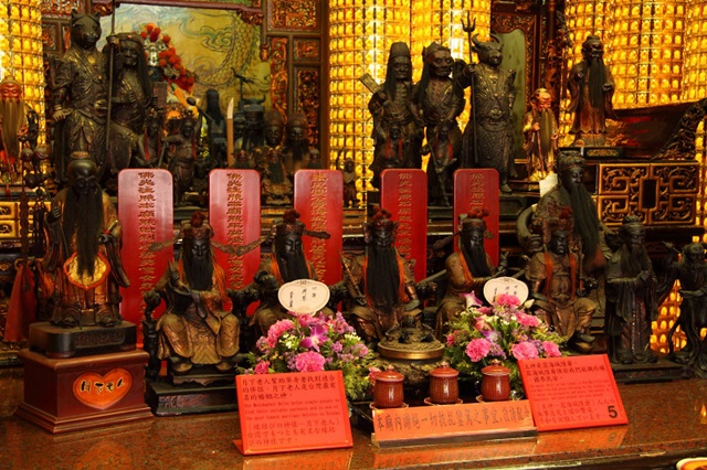 วัดเสียไห่เฉิงหวง (Taipei Xia Hai City God Temple: 大稻埕霞海城隍廟) @ www.pbase.com