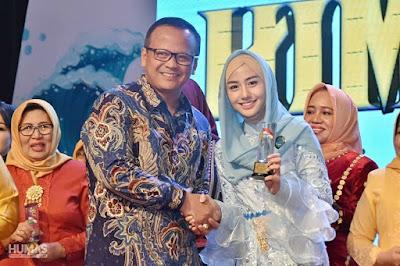 Novita Hardini Terima Penghargaan HIMPAUDI Award dalam Ajang Kreativitas Pejuang PAUD 2019