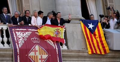 balcones, Beceite, Beseit ,bandera ,senyera, Artur Mas, Catalunya, CAT, Cataluña
