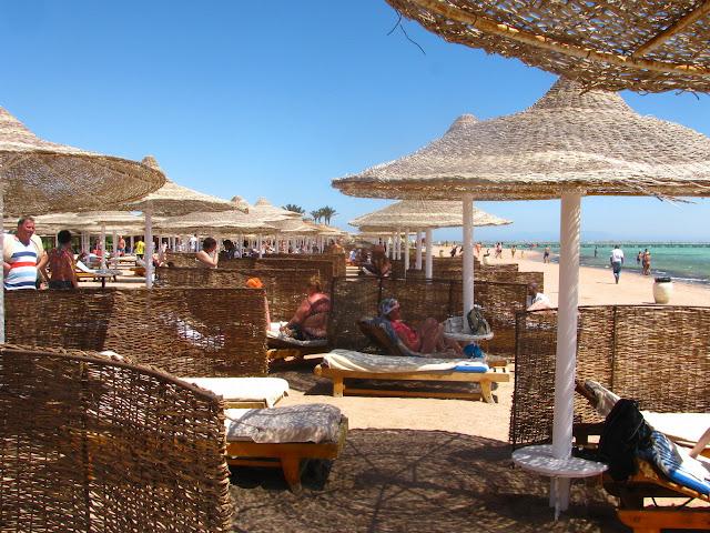 защита от ветра на пляже в Египте
