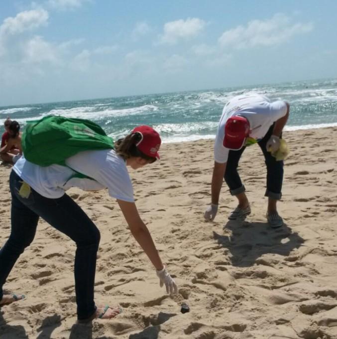 Saiba quais as praias estão improprias para o banho na capital