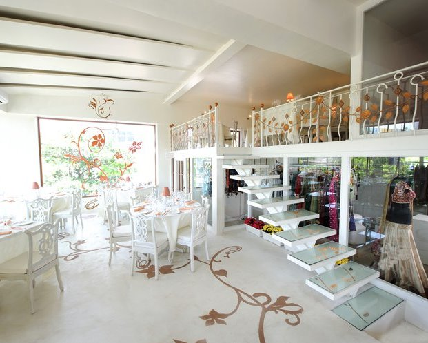 Charming And The White Horse Wedding Café Lounge Will Definitely Take You Into World Of Your With Beautiful Interiors