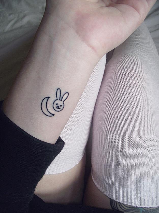 estrellas en tatuajes para mujeres