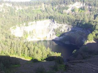 Danau Hitam Kalimutu