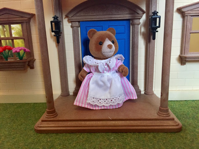 Sylvanian Families Care Home Marmalade Bear Mansion
