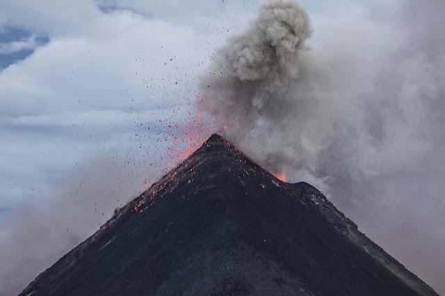 ज्वालामुखी से निकलने वाली गैसें | Exhaust gases from the volcano