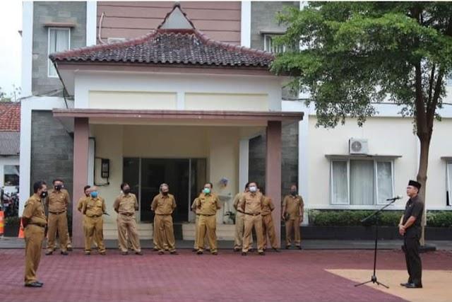 PJS Bupati Kabupaten Pangandaran Dr H Dani Ramdan, M.T. pimpin Apel Pagi bersama seluruh pegawai Pemerintah Kabupaten Pangandaran