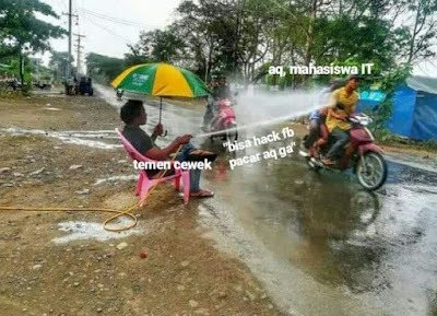 8 Meme 'Bapak Siram Air' Ini Bikin Ngakak Sampai Basah Kuyup