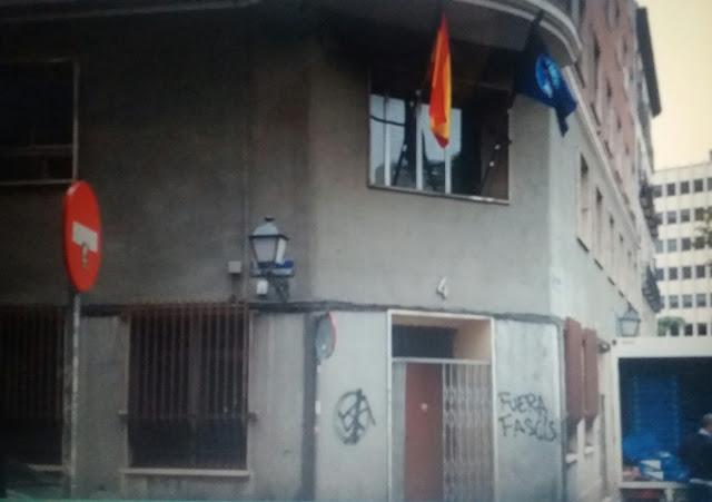 La policía nacional desaloja la sede de Hogar Social Madrid en Malasaña