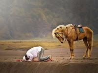 Cara Mengukur Siapa Kita di Sisi Allah ala Ibnu Athaillah