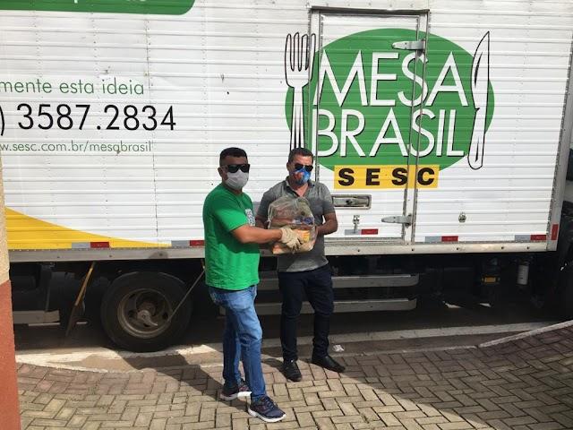 Alimentos doados pelo  empresário Pedro de Gerson durante Live de Wesley Safadão chegam à Santana do Cariri