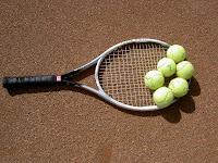 Ρακέτα και μπαλάκια τένις