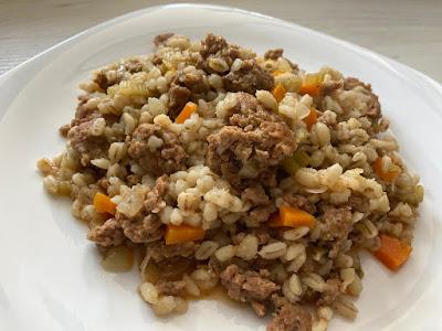 Pęczak z mięsem i warzywami