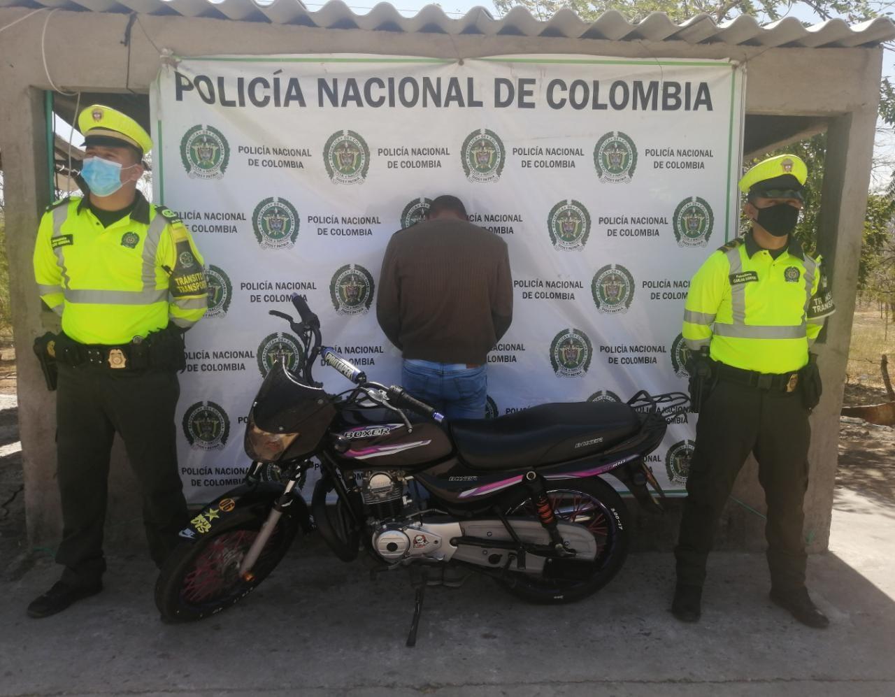 https://www.notasrosas.com/Cinco personas capturadas en diferentes vías de La Guajira