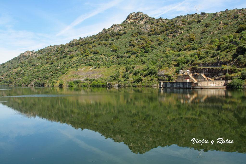 Embalse de Saucelle, río Duero
