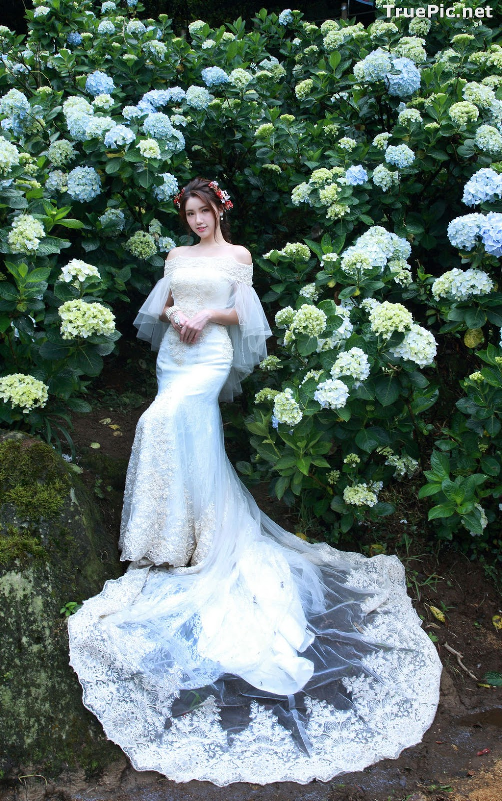 Image Taiwanese Model - 張倫甄 - Beautiful Bride and Hydrangea Flowers - TruePic.net - Picture-10