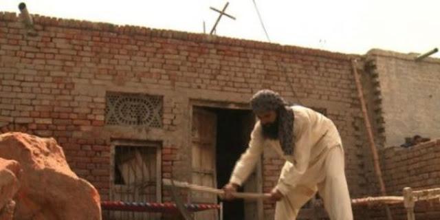 Warga Muslim di Desa Pakistan Ramai-ramai Iuran Bangun Gereja