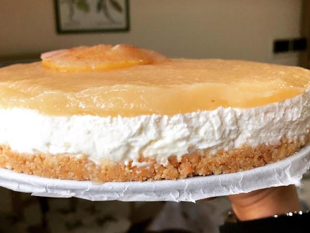 Cheesecake alle pere senza glutine e senza cottura