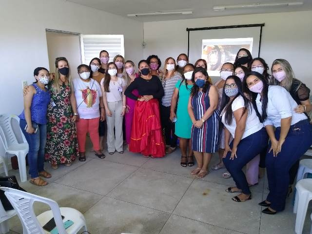 CRAM e Secretaria Executiva da Mulher de Patos debatem valores femininos em mesa de relatos