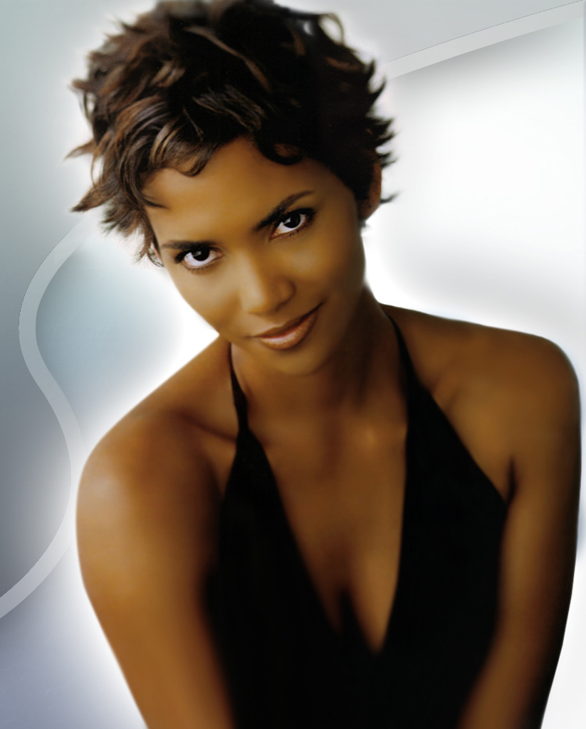 Hairstyles Popular 2012: Celebrity Halle Berry Short Curly
