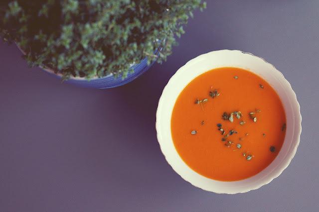 Pyszny, lekki krem pomidorowy z limonkowym tymiankiem