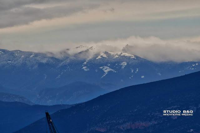 Η κακοκαιρία έφερε και πάλι χιόνια στα βουνά
