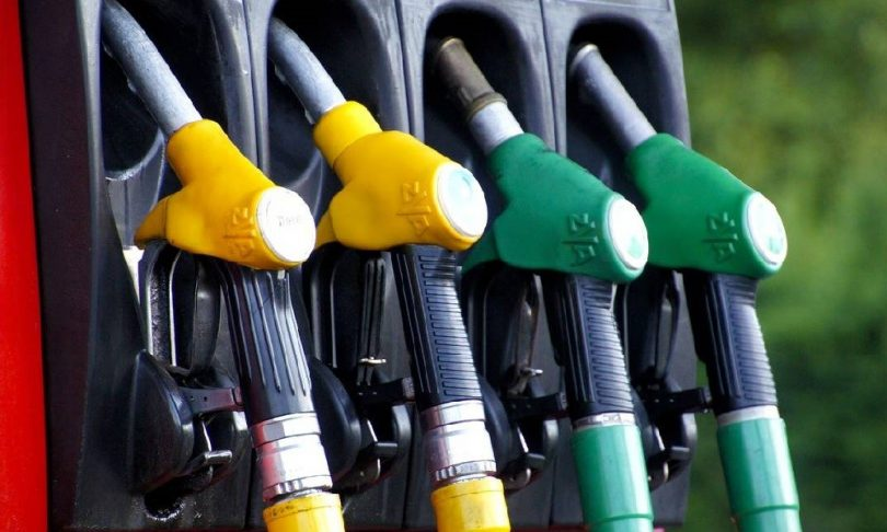 H βενζίνη στην Ελλάδα θα έπρεπε να έχει 0,40€ το λίτρο
