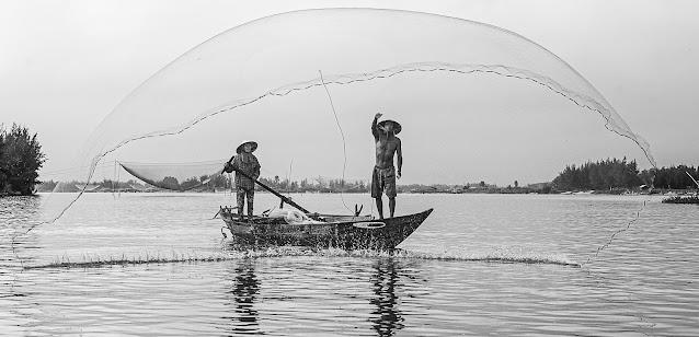 Fishing in Hoian