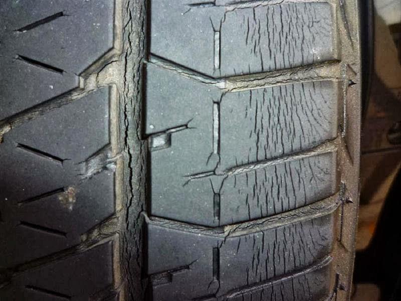 タイヤのひび割れはこんなに危険!ひび割れの原因と対処方法 ...