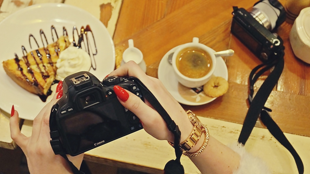 ciasto_kawa_aparat_zdjęcia-na-bloga